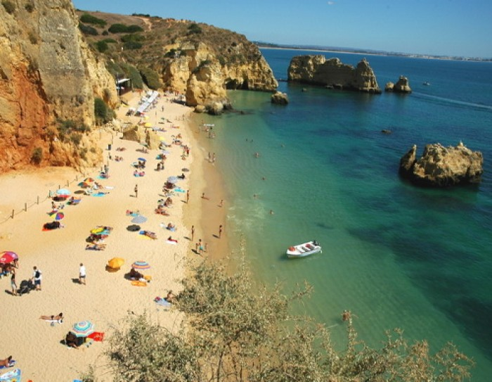 Praia da Dona Ana entre os destinos Europeus obrigatórios