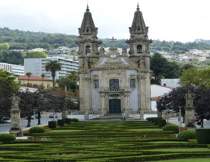 """Guimarães - """"Destino a Visitar do Ano"""""""