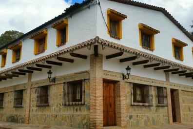 Hotel-Hospedaria-Las-Buitreras-02.png