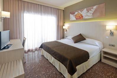 Hotel-Costa-Brava-02.png