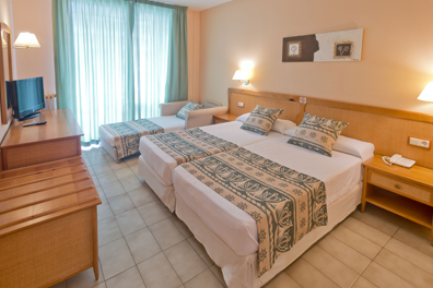 Hotel-Oasis-Tossa-Spa-02.png