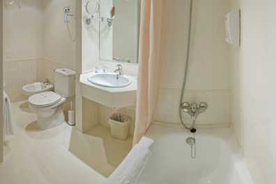 Hotel-Oasis-Tossa-Spa-03.png