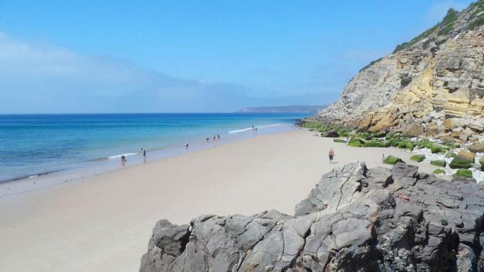 Praia da Salema, entre as melhores secretas praias do mundo
