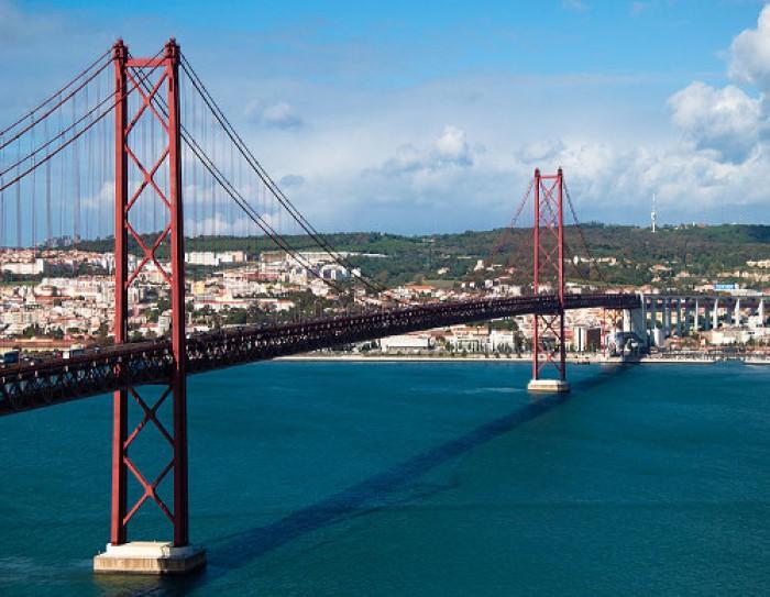 Ponte 25 de Abril a mais bela da Europa
